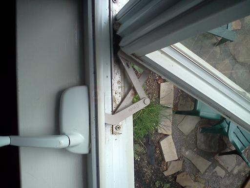 User submitted photo of their Silverline casement window operator.