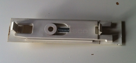 User submitted photo of Certainteed window latch.