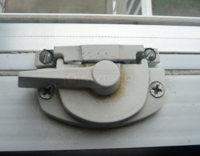User submitted picture of window lock.