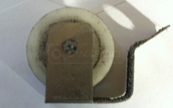 A user submited photo of screen door roller