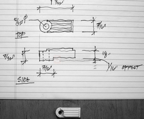 User submitted photo & drawing of a screen door panel clip.