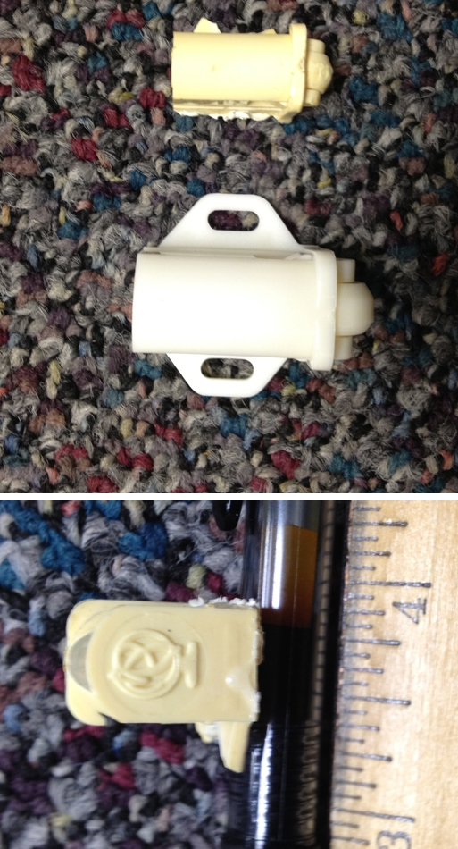 User submitted photos of a plastic roller catch.