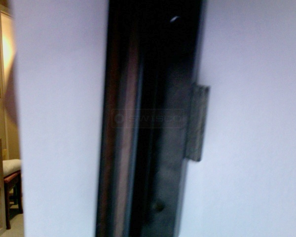 User submitted a photo of a sliding door handle.