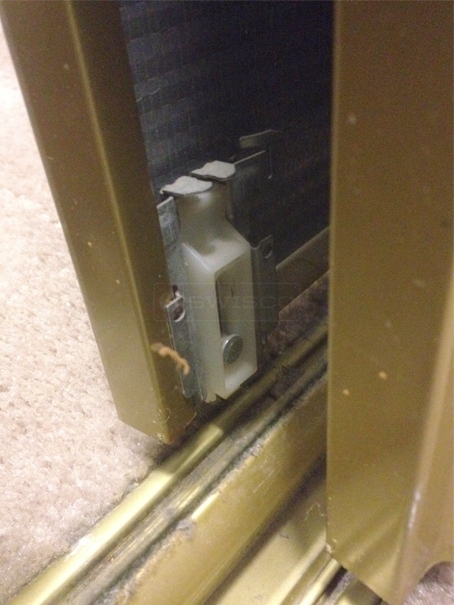 User submitted a photo of mirror door hardware.
