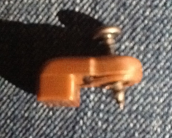 User submitted a photo of a retainer clip.