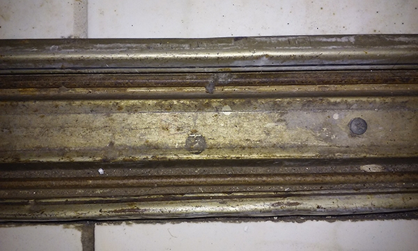 User submitted a photo of closet door track.