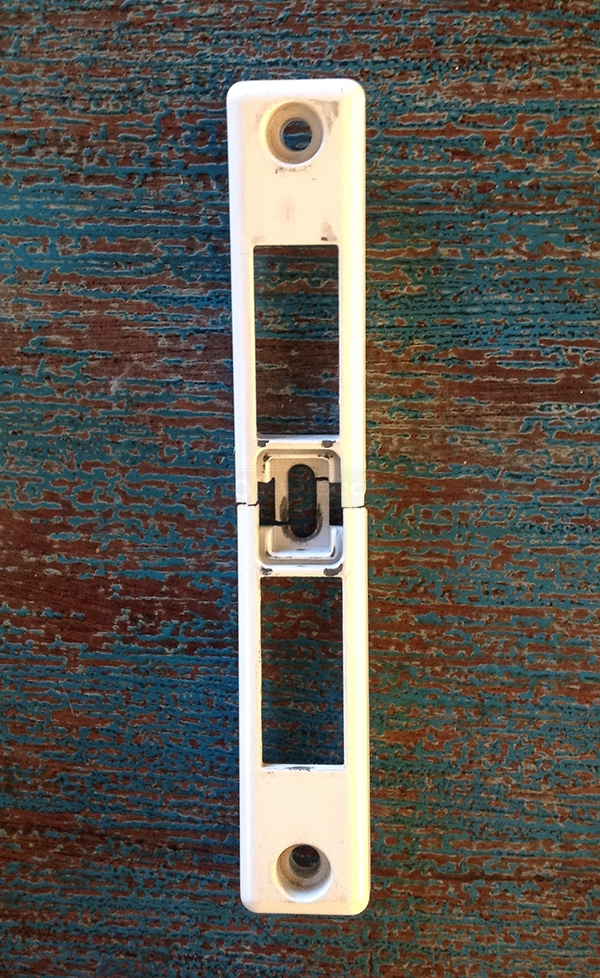 User submitted a photo of a door latch.