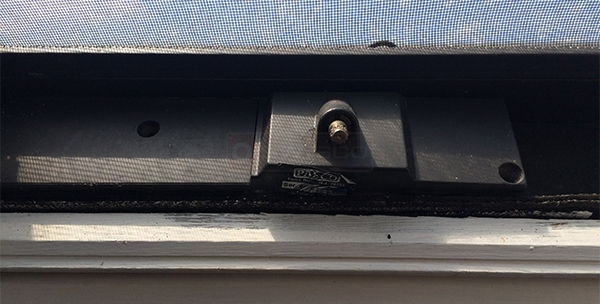 User submitted a photo of a skylight operator.